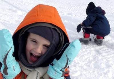 enfants neige relâche