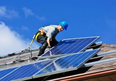 maison autosuffisante panneaux solaires