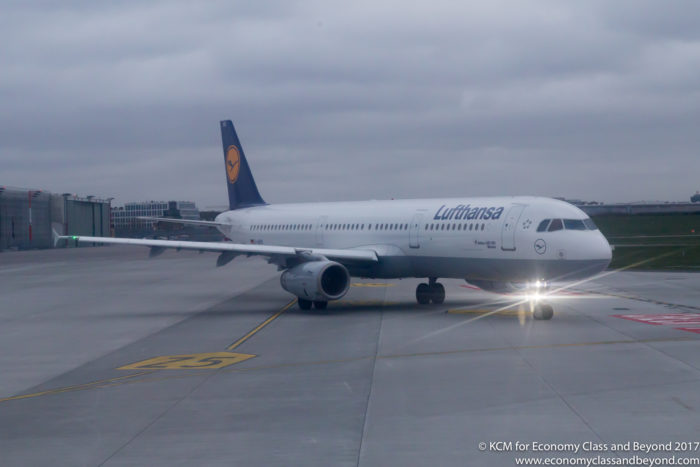 Lufthansa Airbus A321 D-AIRX at Hamburg Airport - Image, Economy Class and Beyond
