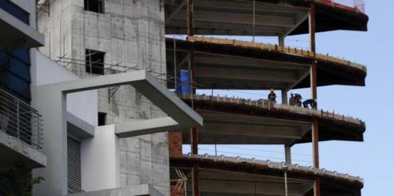 """Νομικός """"σταθμός"""" για εργάτες οικοδομών"""