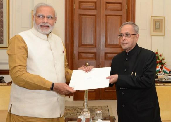 Shri.Narendra Modi with the President of India on 20-05-2014