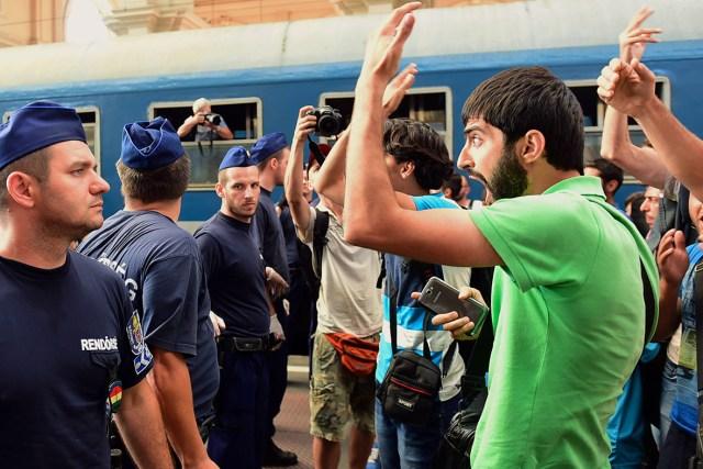 Confrontation des migrants avec les forces de l'ordre