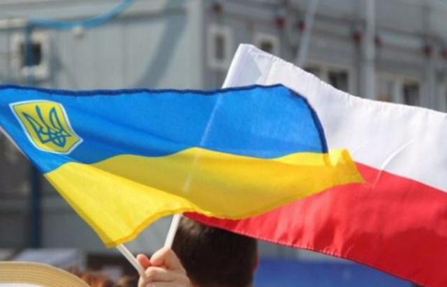 Soixante-quinze pour cent des personnes interrogées ont déclaré qu'elles aimeraient rester en Pologne pendant deux ou trois ans.