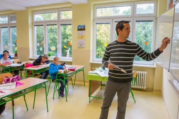 ucitel-ziaci-skola