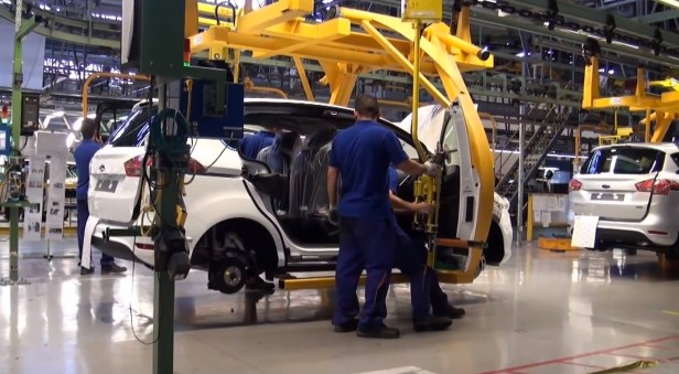 ford-romania-cuts-working-hours-in-romania-due-to-slow-b-max-demand-92995_1