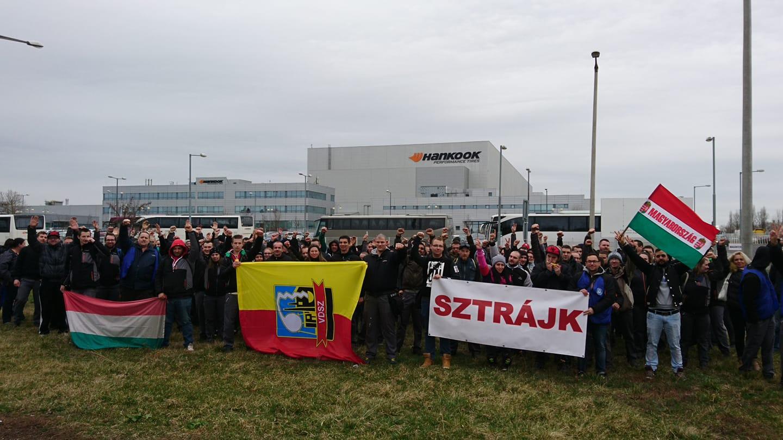 Hongrie : les travailleurs de Hankook Tire et la direction concluent un accord sur la rémunération et mettent fin à la grève