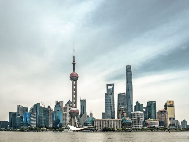 Shanghai_skyline_waterfront_pudong_5166168_69_70