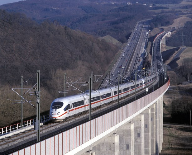 InterCityExpress 3 (ICE 3) NBS Köln - Rhein/Main Hallerbachtalbrücke