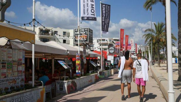 Spanien Spain Mallorca balearen urlaub Ferien EU Magaluf Strand *** Spain Spain Majorca bal