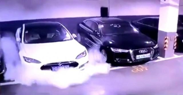 Tesla Model S a Shanghai