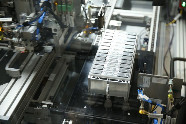 BMW-Battery-Factory-1