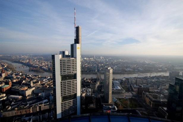 Un revirement de stratégie désespéré Pourquoi Commerzbank ne veut plus de clients