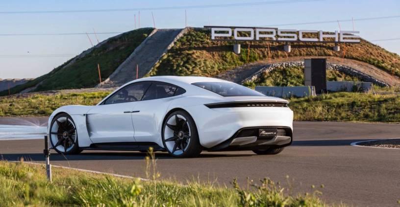 Porsche envisage de combattre Tesla sur le marché américain des voitures électriques
