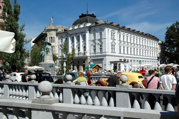 Slovénie Les entreprises se préparent à s'adapter aux nouvelles règles du salaire minimum