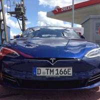 """Le patron de Tesla Musk à Gigafactory plan près de Berlin """"Doit fournir plus vite que l'aéroport"""""""