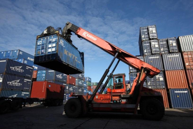 Les exportations vers les États membres de l'UE ont augmenté de 4% pour atteindre 64 milliards de kuna et les exportations vers les pays tiers ont augmenté de 7,2% pour atteindre 30 milliards de kuna.