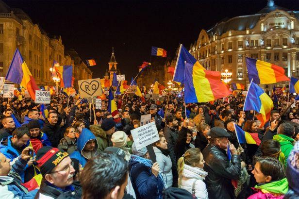 Protest-in-Opera-Square-Timisoara-Romania