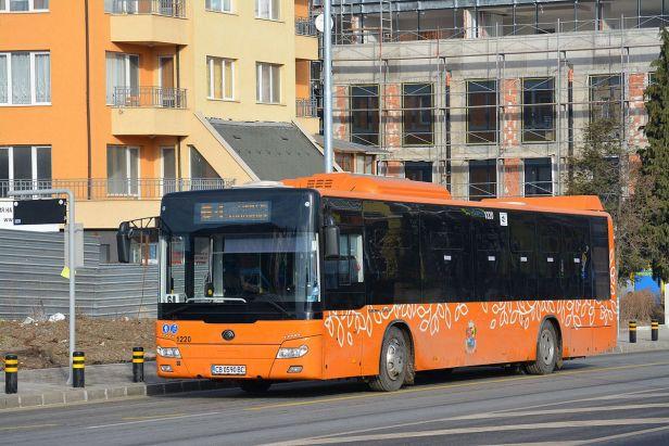 Yutong_ZK6126HGA_bus_in_Sofia