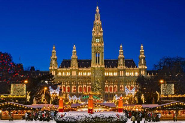 occ88sterreich-wien-3-millionen-besucher-verzeichnet-der-weihnachtsmarkt-auf-dem-rathausplatz-jedes-jahr-wien-occ88sterreich-burben-shutterstock-2-1200x800
