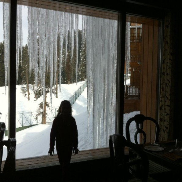 India, Gulmarg: icicles