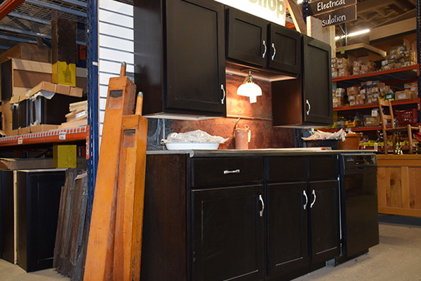 Outstanding Surplus And Reclaimed Cabinets And Countertops Home Interior And Landscaping Ferensignezvosmurscom