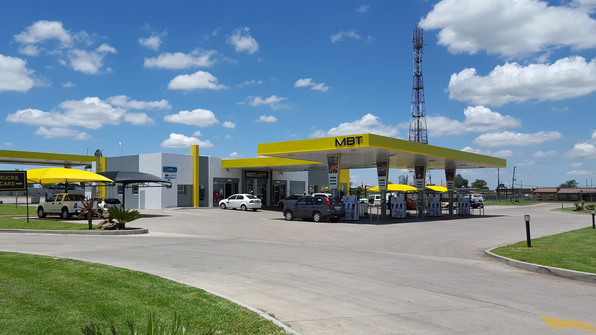 MBT Charl Cilliers - Car Wash with exposed roof trusses & IBR Chromadek sheeting