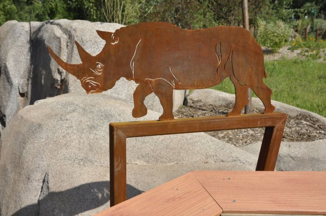 exhibit-rare-rhinos9