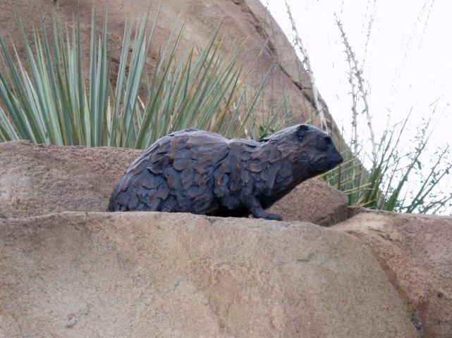 sculpture-animal-rock