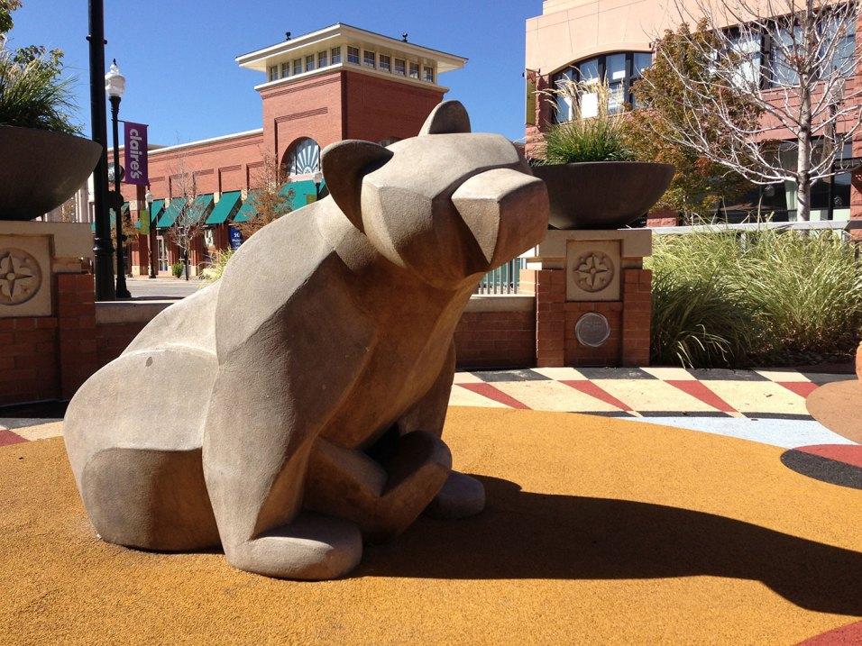 sculpture-monumental-bears-playground-2