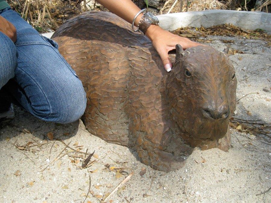 sculpture-monumental-capybara