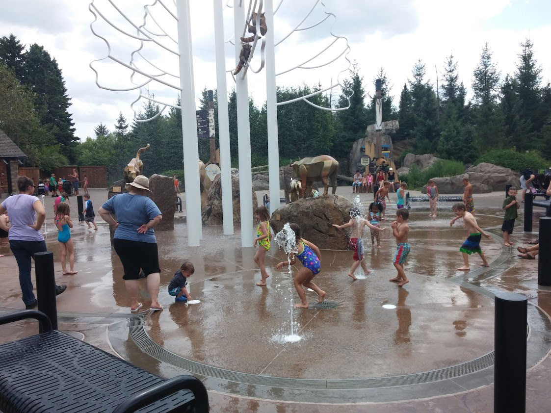 sculpture-monumental-kids-fountain-1