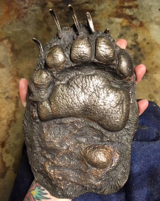 sculpture-tactile-bear-paw
