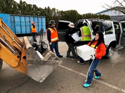 From lawnmowers to microwaves, Kent recycling events help people be environmentally-responsible. Photo Credit: Tony Donati.