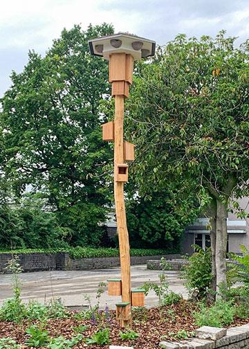 Huiszwaluwtil voorzien van vleermuizen nestkasten met nestkast voor kleine nestkasten en insectenhotels
