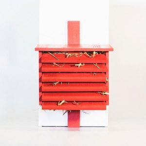 Gaasvliegennestkast, gemaakt uit lariks. Deze nestkast is op maat gemaakt voor gaasvliegen.