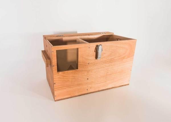 Steenuilennestkast, gemaakt uit lariks. Deze nestkast is op maat gemaakt voor de steenuil.