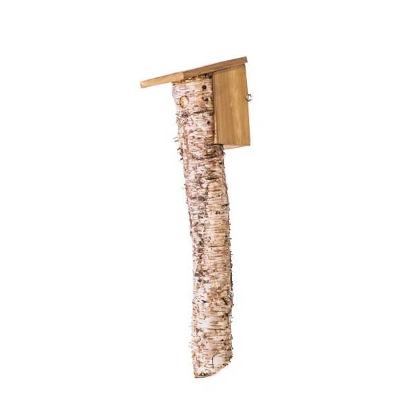 Matkopnestkast, gemaakt uit lariks. Deze nestkast is op maat gemaakt voor de matkop.
