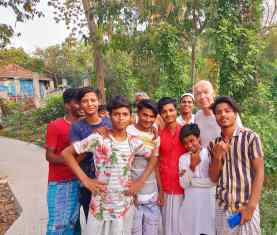 27042021-Mobilization-Meet-the-Community-John-with-Youth