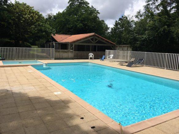 camping-piscine-2