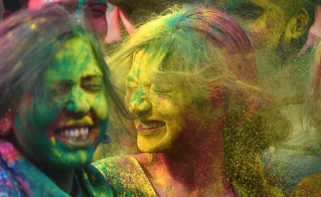 12 precautions to protect eyes, skin, and hair during Holi
