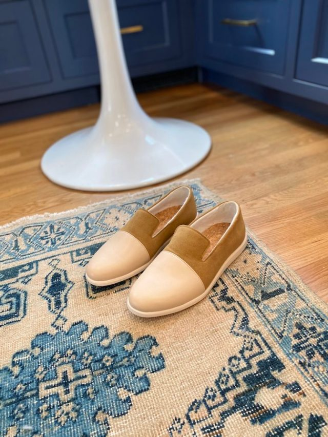 Vegan shoes made from apple leather - Dooeys
