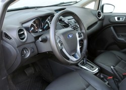 2014 Ford Fiesta interior_600p