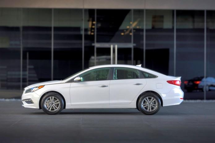 2015 Hyundai Sonata sideview