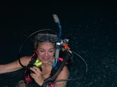 ecoXplorer Evelyn Kanter scuba diving in Utah