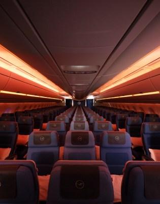 Lufthansa in-flight mood lighting