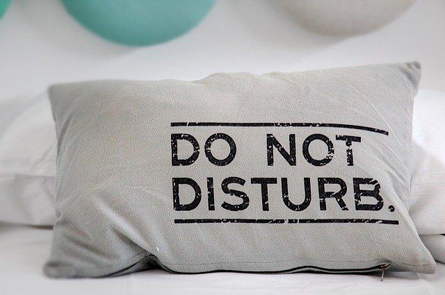 Coupez toutes les sources d'interruption potentielles