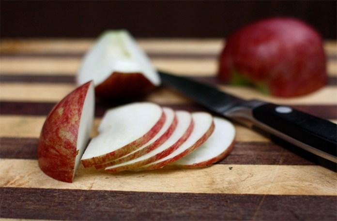makanan yang mengenyangkan lebih lama untuk sahur saat puasa - apel