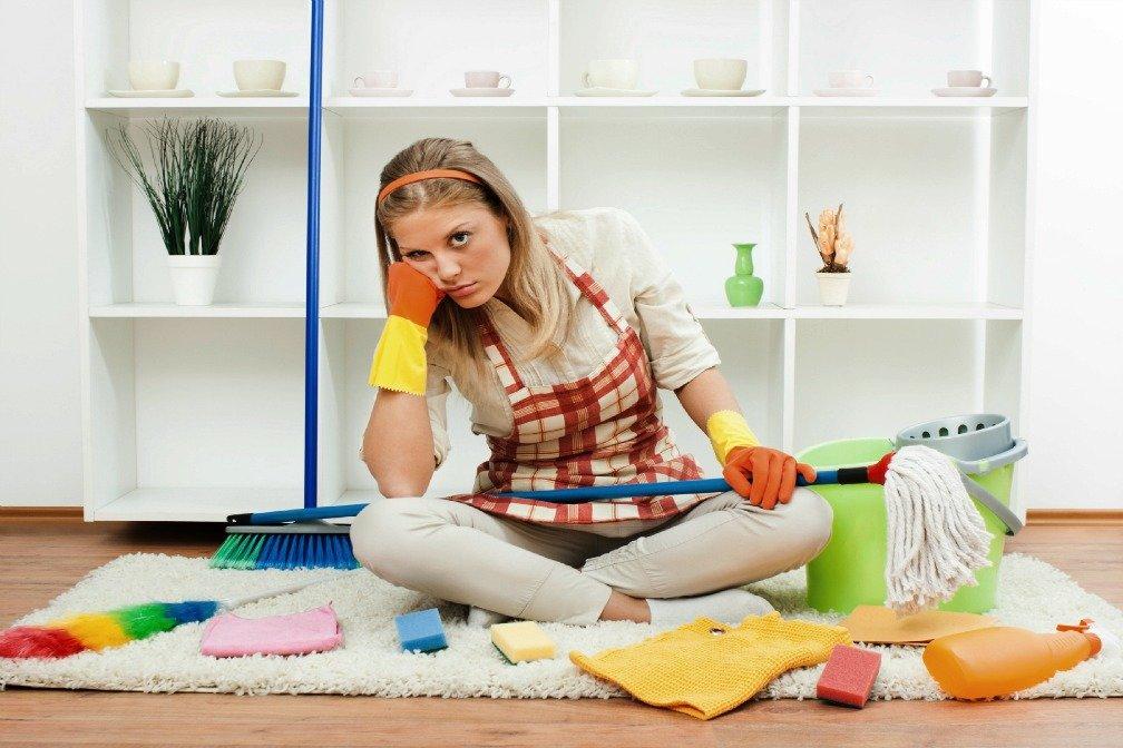 Buat Anak Kos 10 Barang Ini Wajib Ada di Kamar Kos Kamu - peralatan kebersihan