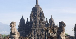 24 Candi Hindu-Buddha di Indonesia yang Wajib Kamu Kunjungi