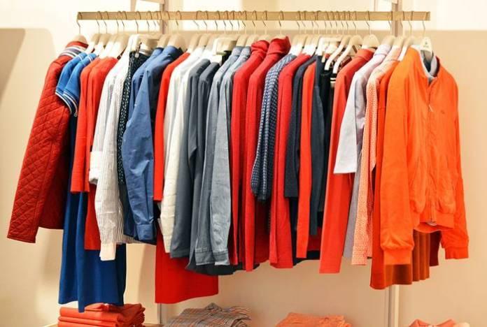 Cara Mencegah Demam Berdarah - Jangan Menggantung Pakaian Terlalu Lama